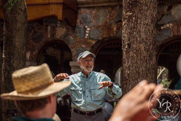 Glen Spear addresses the community after Hurricane Irma hit. Image credit: Yelena Rogers