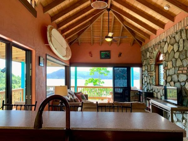 Real Estate Spotlight: Privacy in Paradise with Beach Access! 5
