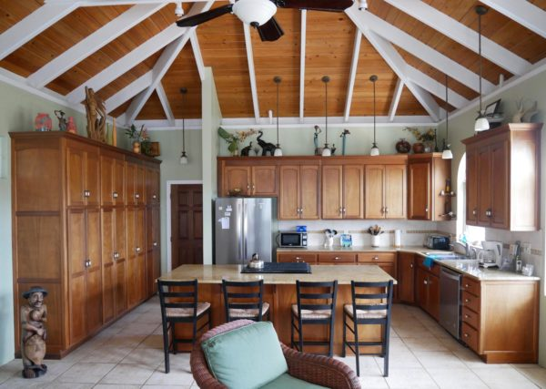 Real Estate Spotlight: A Perfect Space to Share with Friends at Blue Palm Villa 4